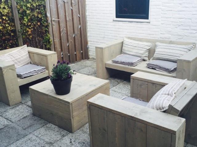 Loungebank diep in een loungeset met tafel en 2 stoelen grijze beits