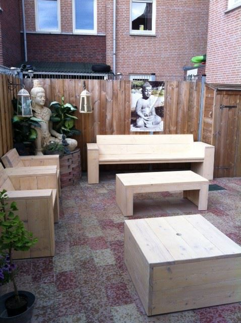 Loungebank steigerhout in een loungeset steigerhout