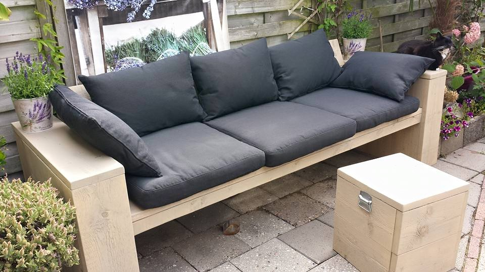 Loungebank steigerhout met kussens