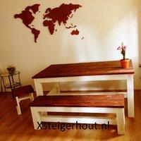 Steigerhout eettafel en bankje met bruin tafelblad