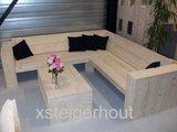 hoekbank hout met tafel
