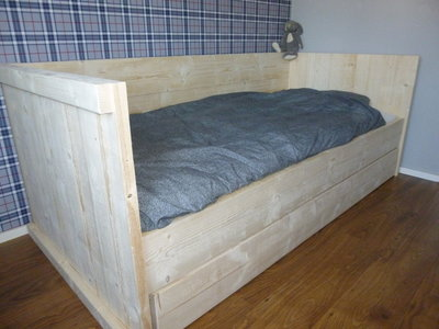 Kajuitbed-bouwpakket-steigerhout
