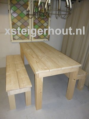 Steigerhout tafel met 2 bankjes bouwpakket