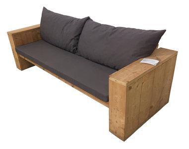 Loungebank-diep-met-kussens-steigerhout-bouwpakket