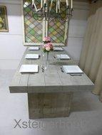 Steigerhout tafel met kolompoten grey wash